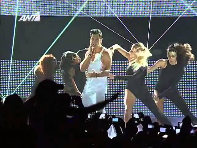 ΣΑΚΗΣ ΡΟΥΒΑΣ - ΤΩΡΑ (MAD VMA 2012)