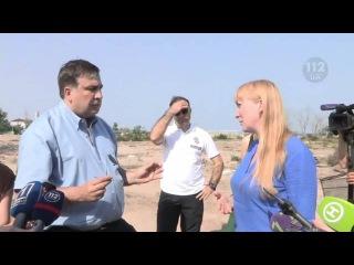 Губернатор Одесской области Михеил Саакашвили инспектирует спасательные посты на пляжах Затоки. Телеканал