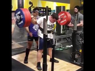 Метт Сохмер, приседания 372,5 кг