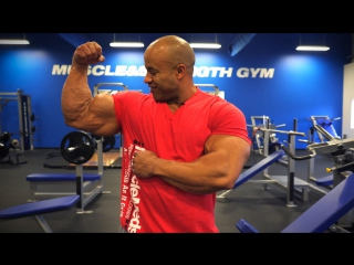 Victor Martinez - Bigger Bicep Peaks Workout