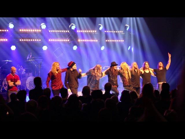 Raskasta Joulua konsertin loppufiiliksiä Kajaanissa 25.11.2016