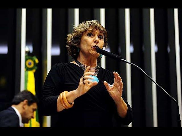 Vaiada e escrachada, deputada petista Érika Kokay passa a simbolizar a desmoralização da esquerda