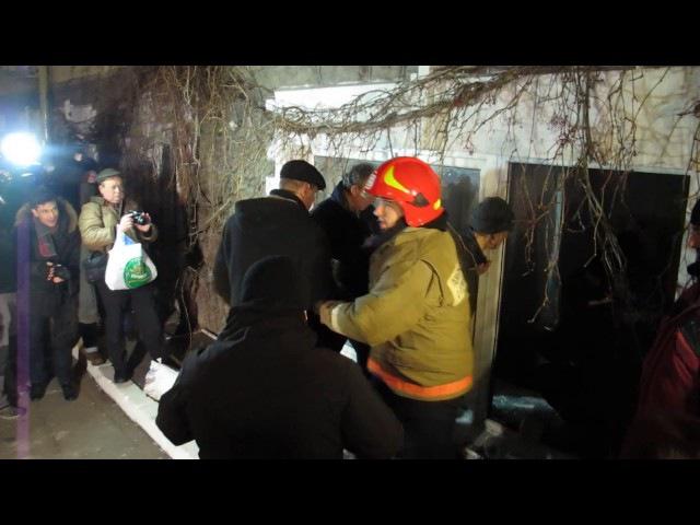 Гасіння пожежі після погрому й підпалу офісу Медведчука - 21.11.2016