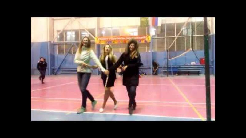 Танец маленьких лебедей ЛВЛ кубань мальчики играют девочки танцуют