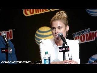 Рэйчел говорит о Джессике Джонс на Комик Коне в Нью Йорке.