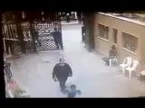 Взрыв террориста-смертника у входа в христианскую церковь, Александрия, Египет, 9.04.2017_02