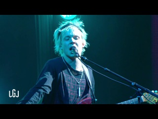POND - Sweep Me Off My Feet - Le Grand Journal du 17/02 – CANAL »
