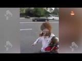В Сети появилось видео фекального нападения на Латынину в Москве, снятое преступниками