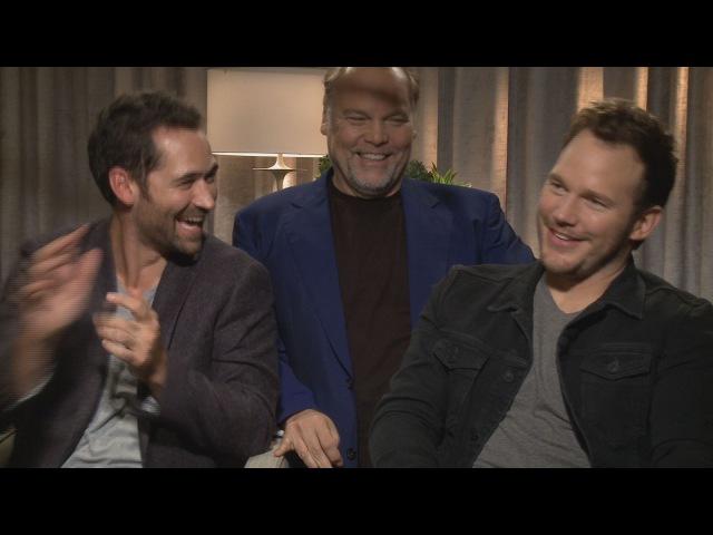 Chris Pratt's MAGNIFICENT SEVEN Interview crashed by Vincent D'Onofrio