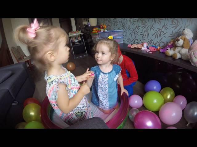 Сухой бассейн с шариками Развлечения для детей Яна в гостях у Софии