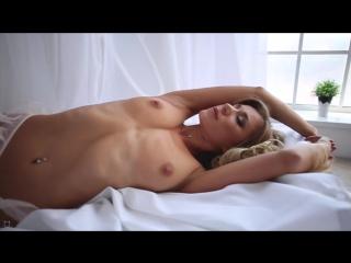 Darina молодая блондинка с шикарным телом, классными сиськами и жопой [ бритая киска секс голая стриптиз студентка школьница ]