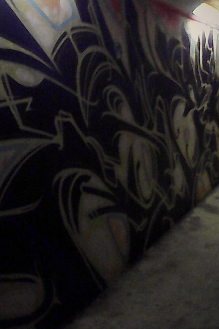 Снимки из заброшенного подземного перехода