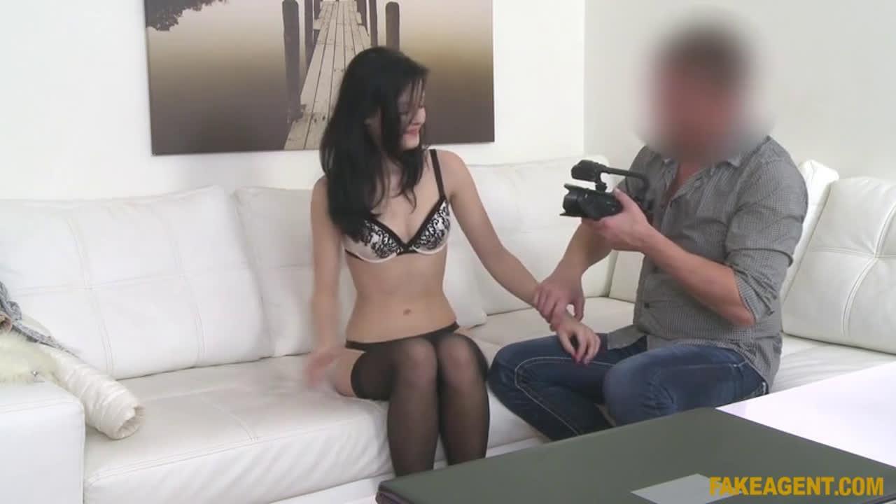 FakeAgent E528 Anie Darling HD Online
