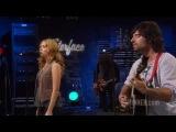 Pete Yorn and Scarlett Johansson performing