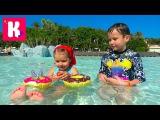 Аквапарк Водные детские крутые горки Коктейли в Донатс Splash funny kid's video in WATER POOL Slide