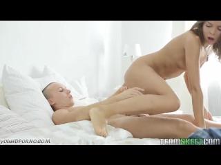 Порно с приятной малышкой фото 708-353