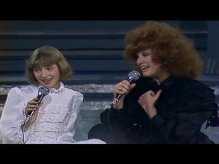 Алла Пугачева и Кристина Орбакайте - А Знаешь Все Еще Будет ( 1983 HD )