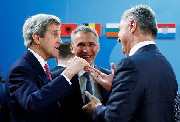 Чорногорію офіційно прийняли в НАТО