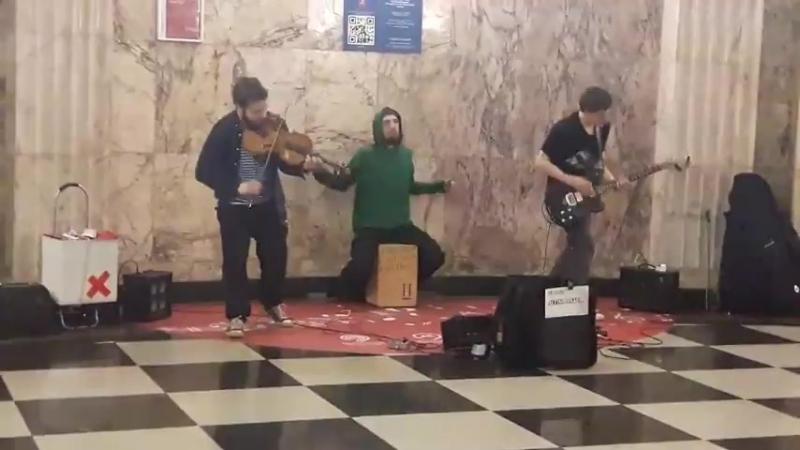 Музыка в метро /tgnka
