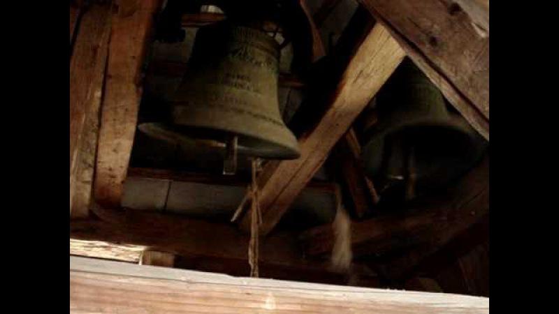 Дерев'яна дзвіниця. Закарпаття. Великодні дзвони 2010.