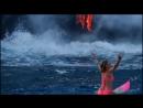 Alison Teal пытается заняться серфингом на Гавайях во время извержения вулкана