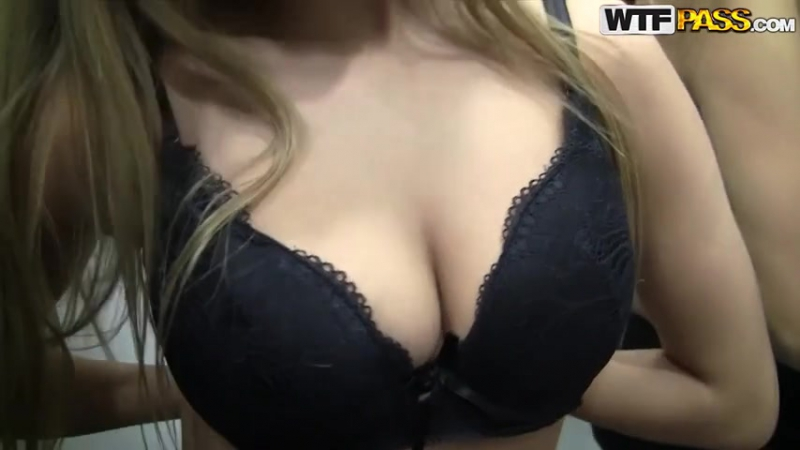 Девушки порно торговом центре натуралки видео подрочить