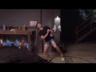 Дженсен Эклз в шортах и со шлангом и Джаред Падалеки. (Jensen Ackles & Jared Padalecki have fun) 2016