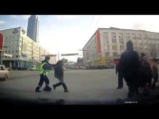 Поведение наших пешеходов на дорогах