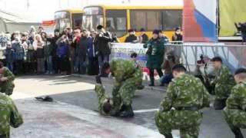 День защитника Отечества во Владивостоке. Показательное выступление морпехов из 155 бригады