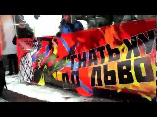Московских нацболов задержали за баннер