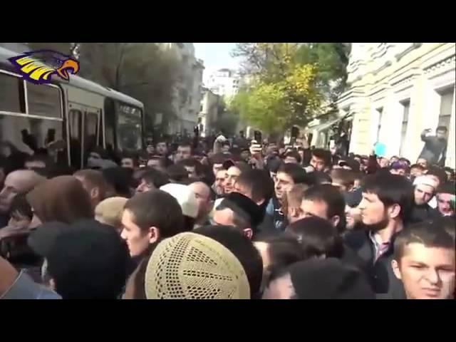 В Москве мусульмане отбили единоверца у ОМОНа 29 09 РФ