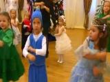 Новогодний парный танец Новый год (старшая группа) детский сад 15 Светлячок Коло