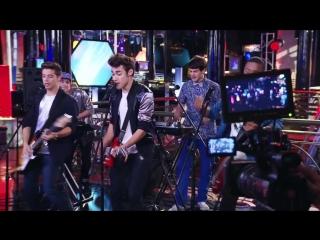 Violetta_ Momento Musical_ Los chicos de Boys Band ensayan Mi Princesa