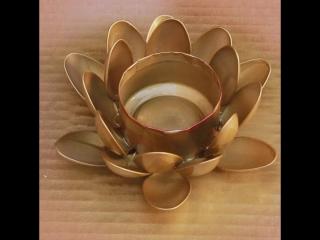 Подсвечник-цветок из банки и ложек