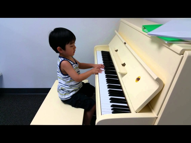 Toccata et Fuga by 4-Year-Old Evan Le