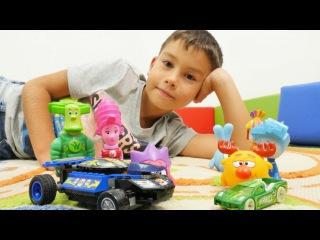 Türkçe süper oyunlar -erkek çocuk videoları. Eren, Hot Wings ve Lego arabalarının yarışı.Araba oyunu