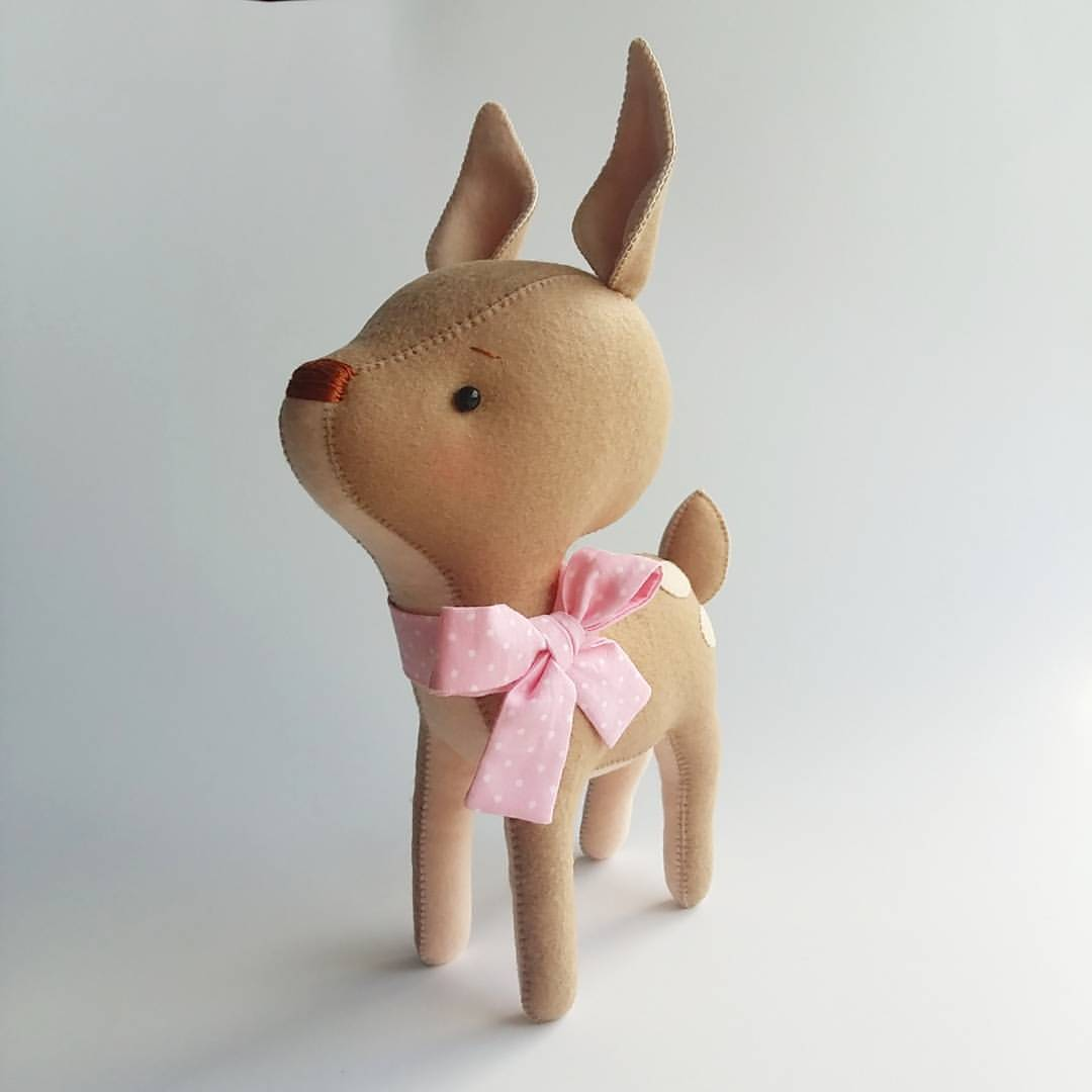 игрушка олененок из фетра