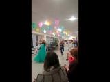 беременые тоже танцуют Мариночке тренеру рожать в июне а она вот как пляшет и других еще обучает!!!!!