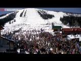 Массовый спуск лыжников и сноубордистов в купальниках - Grelkafest 2016