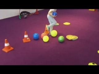 Взаимодействие игроков, ритм тенниса ,координация, точка удара и меткость для детей 6 лет по программе TENNIS 2x5