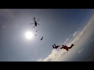 Прыжок с вертолета в центре города П.