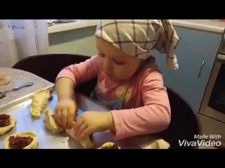 Трехлетняя повариха из Люберец Полина Симонова стала героиней ток-шоу «Лучше все