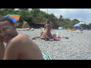 Спалились на пляже  HomePornoLab домашнее частное русское порно brazzers секс инцест анал минет в попу ебет