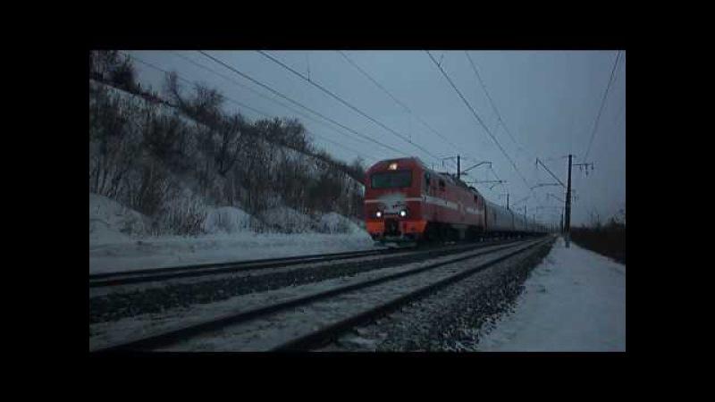 Электровоз ЭП2К-070 с фирменным поездом «Южный Урал»