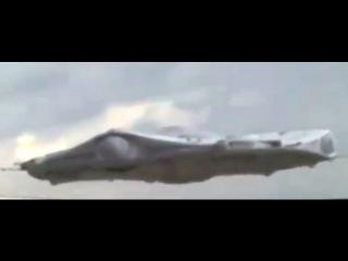 Космический корабль пришельцев нанес мощнейший удар но городу