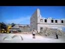 Опасное производство работ по демонтажу здания чуть не убило оператора