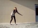 Офигенная девка, офигенно танцует!  Чика.