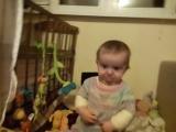 Алиса корчит рожи :)