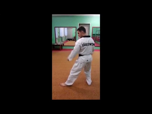 Taekwondo WTF. 6 Пхумсэ Тэгук Юк Джян.