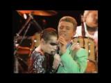 Annie Lennox &amp David Bowie with Queen - Under Pressure